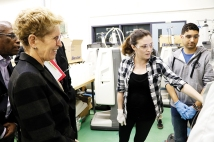 Candace Lavellee, a bio-medical engineering technologist at DC demonstrates her work to Premier Kathleen Wynne during her visit to the college. Photo by Barbara Howe