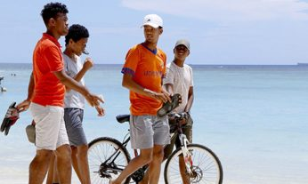cropped-cropped-beachboyswithbike1.jpg